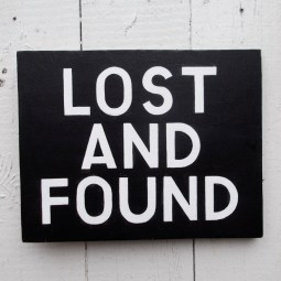 Lost and found-sweatshirt
