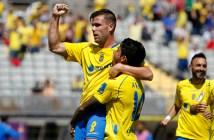 Ortuño celebra un gol con un compañero / Carlos Díaz Recio - UDLasPalmas.es