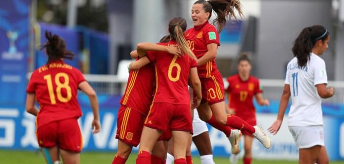 España sufre para pasar a cuartos con Eva titular (2-2)
