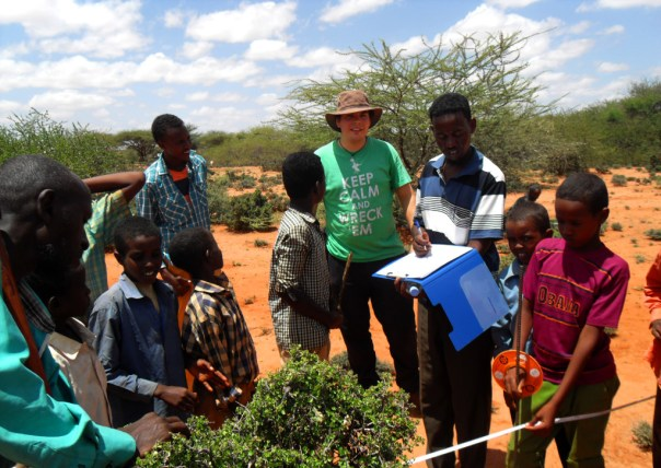 Scott Darby, who volunteers with the project team, marking out a potential conservation area with students from the village of Ali Essa in the Togdheer Region of Somaliland