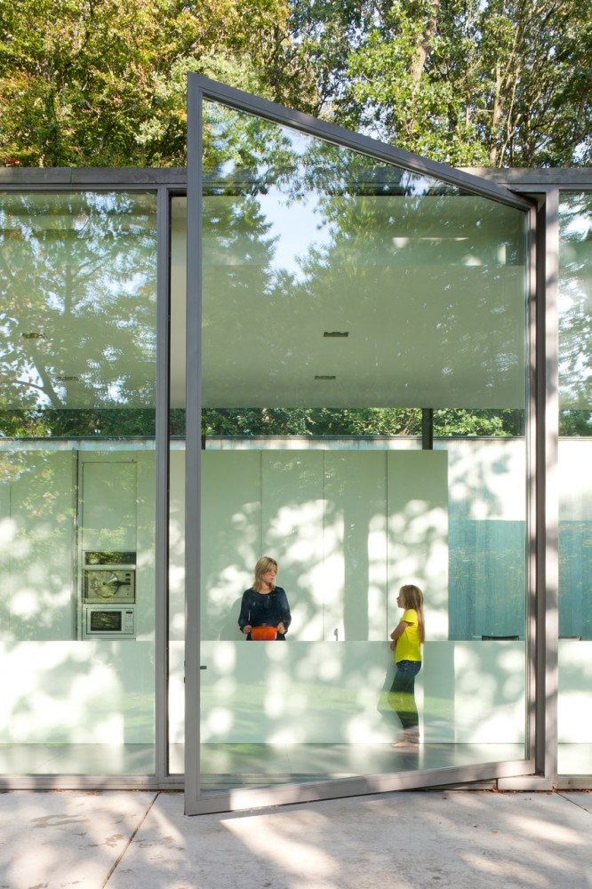 Villa Roces in Belgium by Govaert & Vanhoutte.