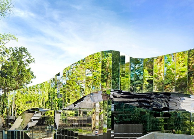 Botanic Gardens Visitors Centre, Cairns by Charles Wright Architects | Yellowtrace.