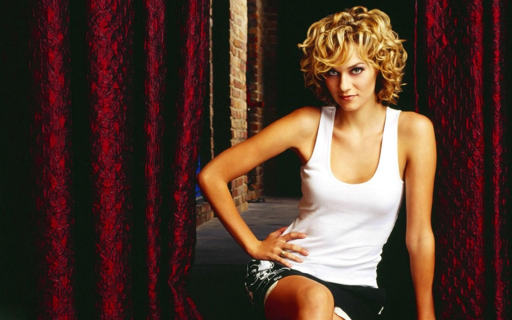 Girl With Cars Wallpaper Hilarie Burton Wallpapers High Quality Download Free