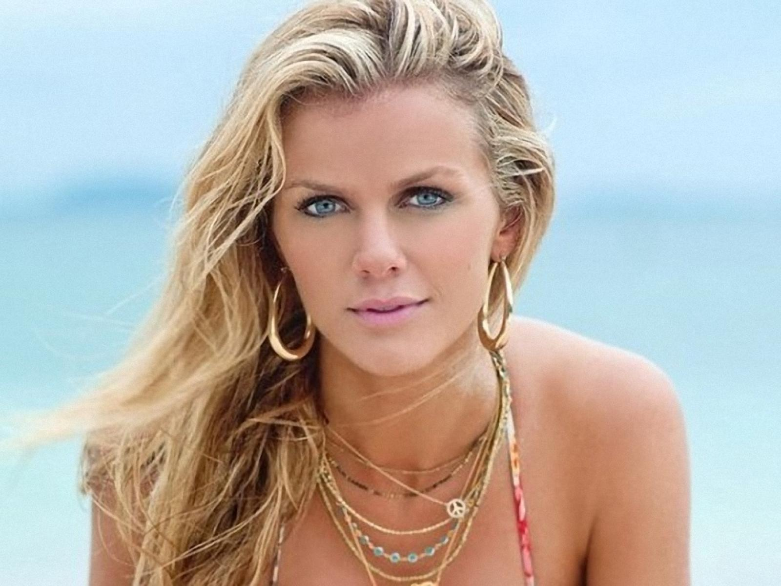 4k Wallpapers For Pc Cars Brooklyn Decker Wallpapers High Quality Download Free