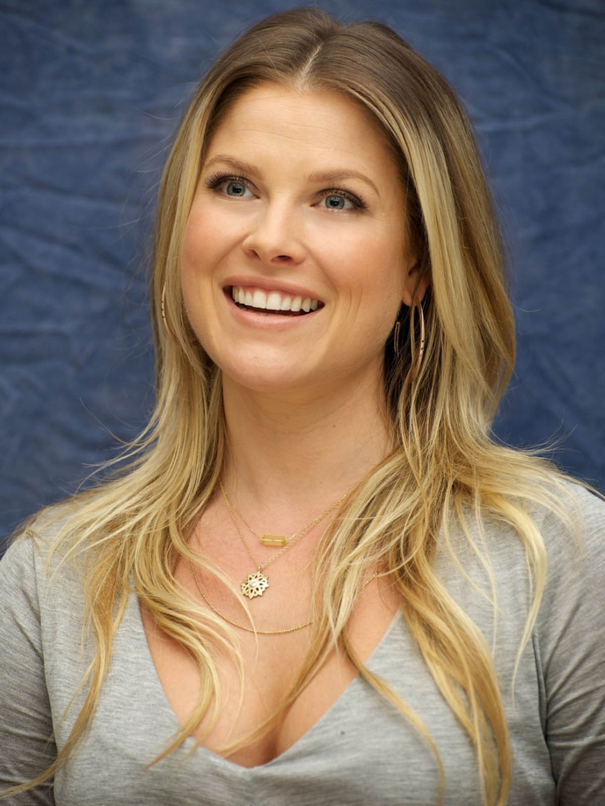 Michael Jackson Hd Wallpapers For Iphone 6 Ali Larter Wallpapers High Quality Download Free