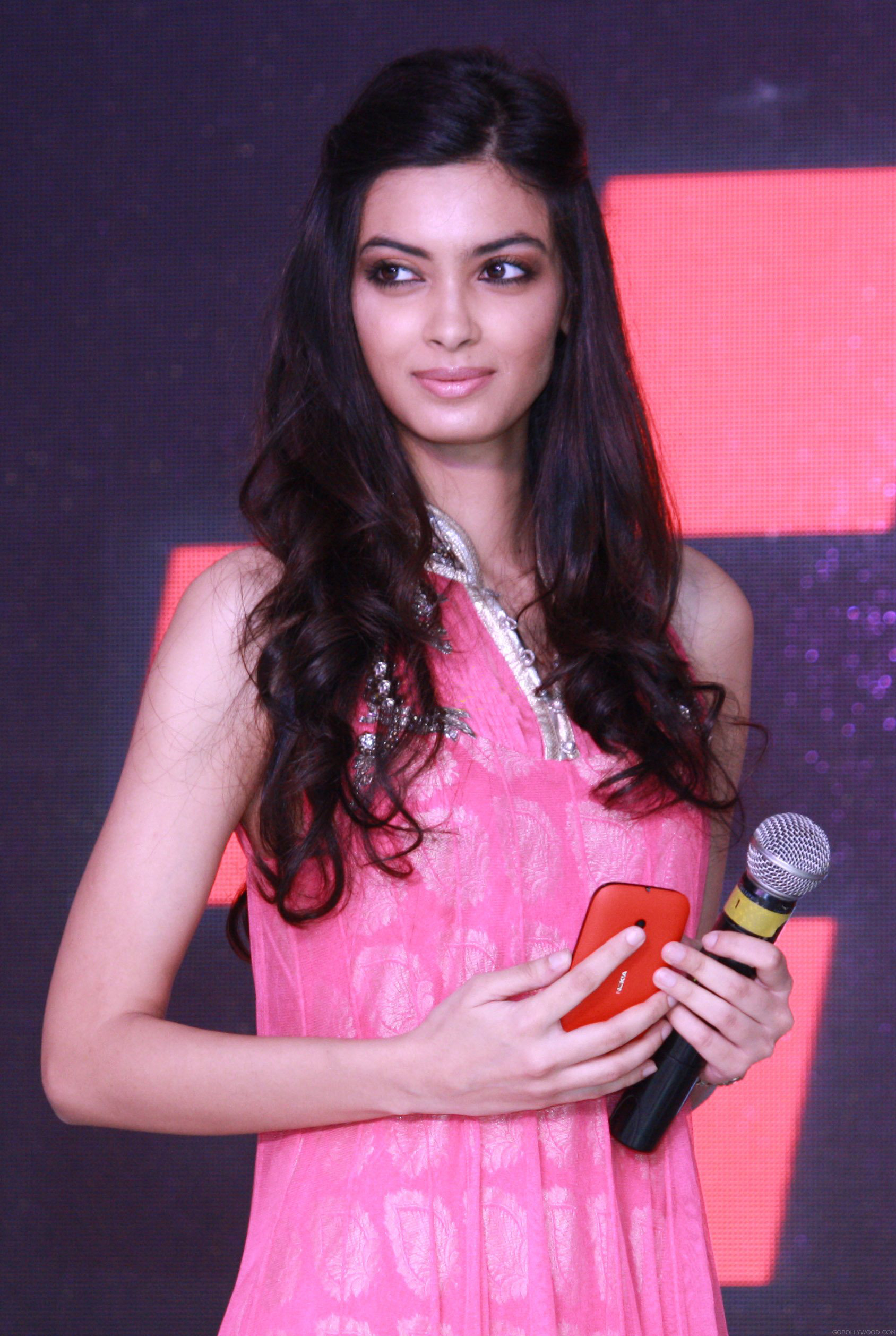 Full Hd Wallpaper Pack Free Download Diana Penty Wallpapers High Quality Download Free