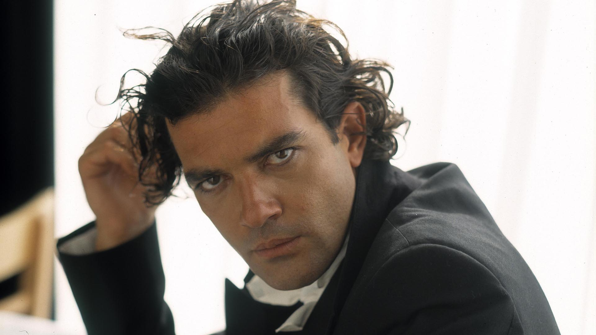 Cars Iphone 7 Wallpaper Antonio Banderas Wallpapers High Quality Download Free