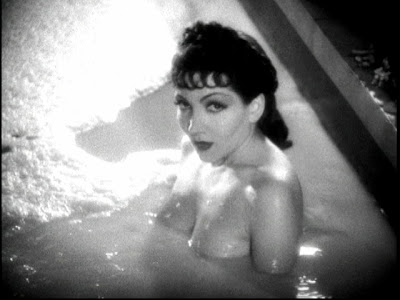 Claudette Colbert como Cleopatra.