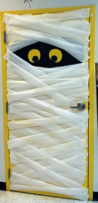 Cool Halloween Door Decorations You Can Do With Your Kids ...