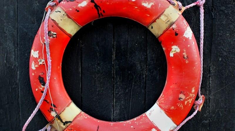 lifesaver-1839661_960_720
