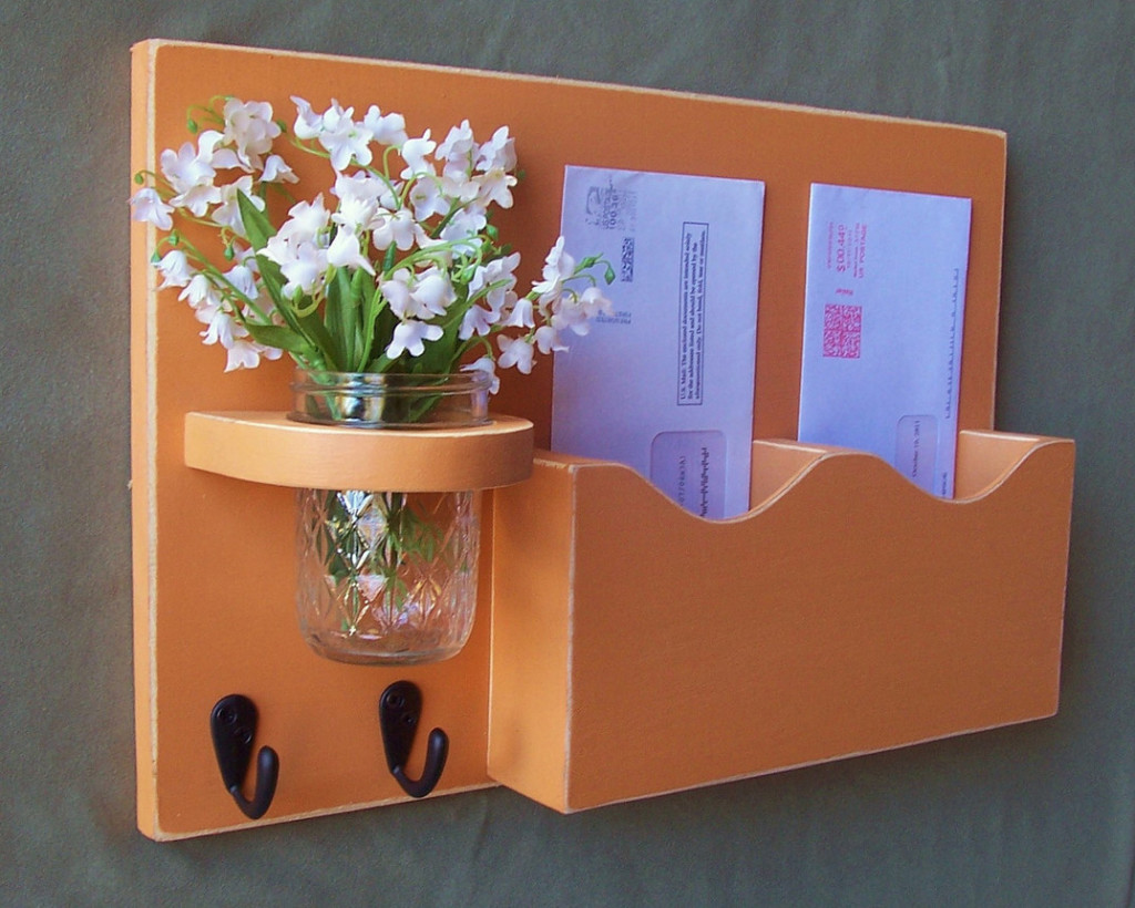 Hanging Mail And Key Organizer Mail And Key Holder Provides Many Benefits To The User