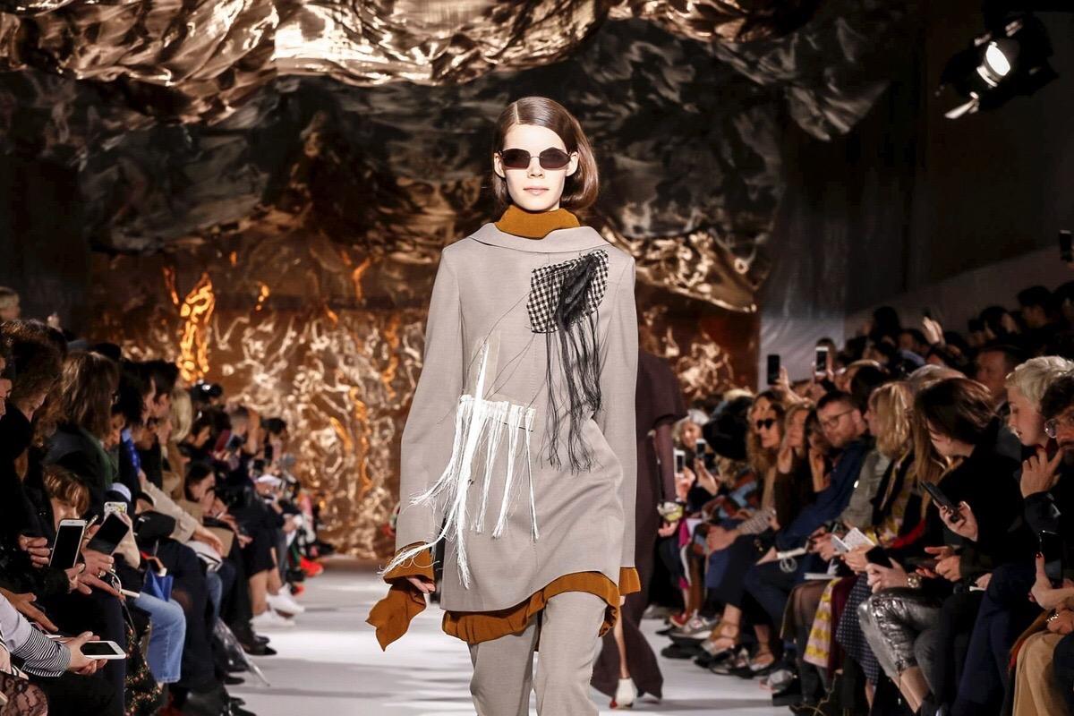 Nina op de catwalk- Acne Studios- Parijs Fashion Week 2017