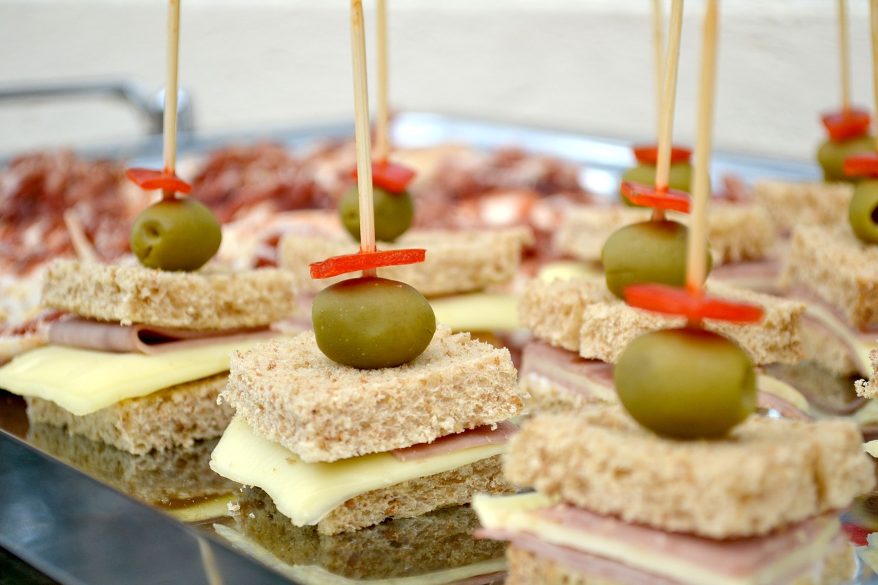 Canapes Economicos Sports Lover Eat These Snacks During The Game Your