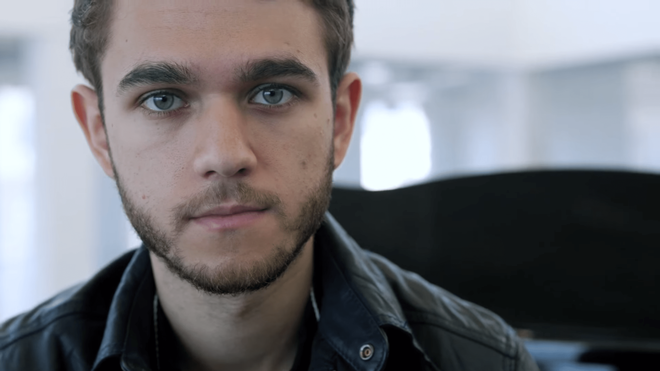 Cute Young Couple Hd Wallpaper Zedd Is The Face Of A New Anti Smoking Campaign Your Edm