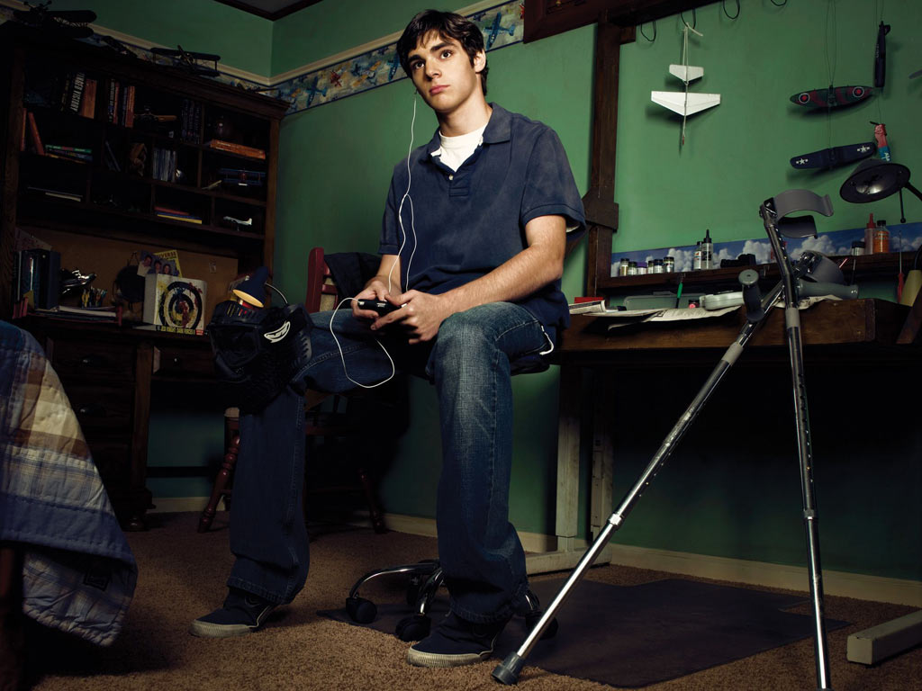 Breaking Bad Set Year Breaking Bad 39s Walter Jr Becomes A Dj Your Edm