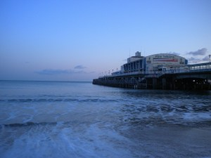 bournemouth-pier-249689_1920