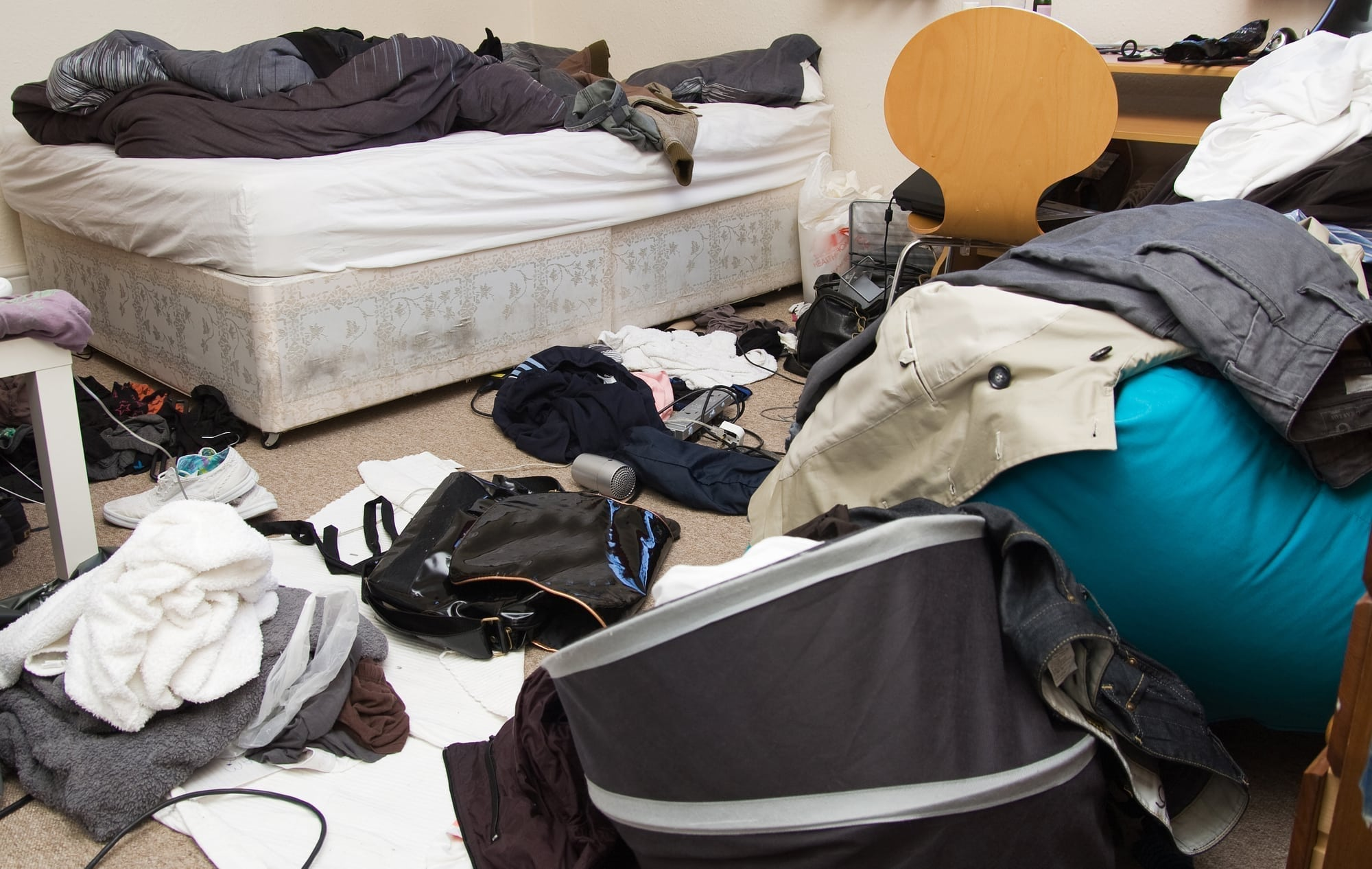 Ask The Expert Dealing With A Messy Boy S Bedroom