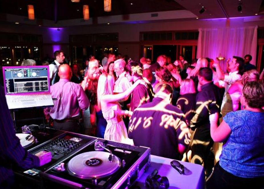 Your First Wedding DJ Gig - What Equipment Do You Need?