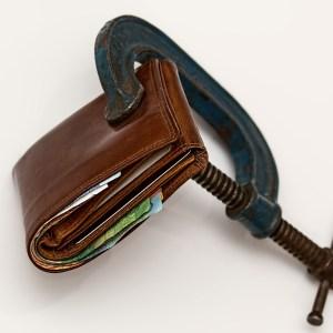 小銭でパンパン財布を薄くする!切り札は家計簿アプリと電子マネー