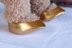 金色パンプス