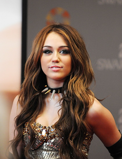 Arabic Girl Wallpaper 20 Best Miley Cyrus Hairstyles And Haircuts Yve Style