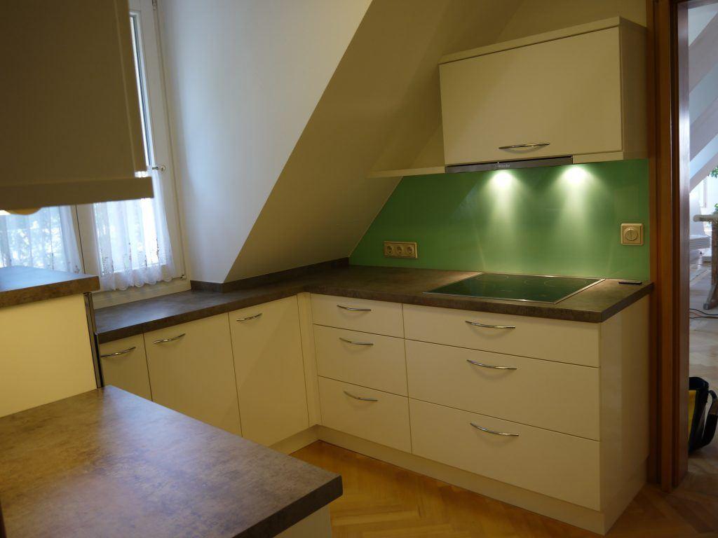 Kleine Küche Mit Dachschräge Planen | Come Rinnovare Una Vecchia ...