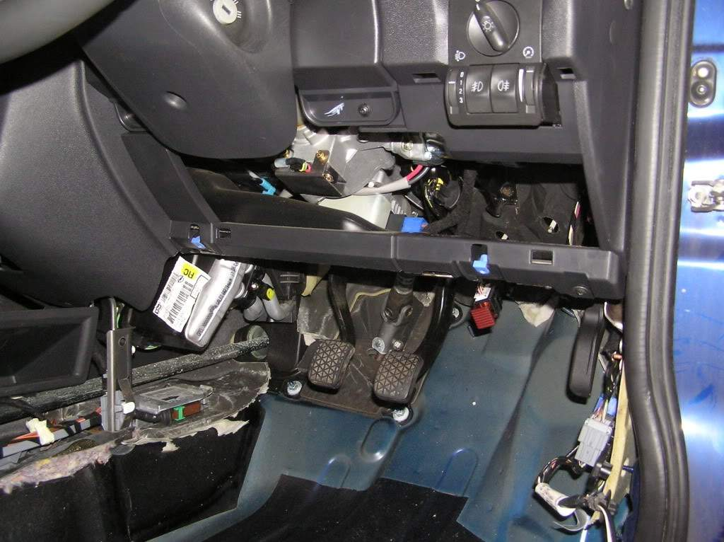 vauxhall nova fuse box layout