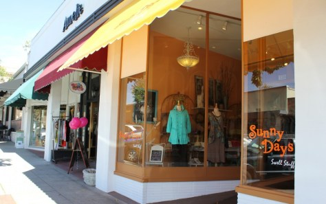 The Village in downtown Claremont, California via ZaagiTravel.com