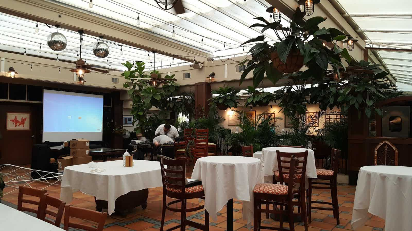 Cucina Palm Beach Nick And Johnnie S Palm Beach Restaurant Review Zagat