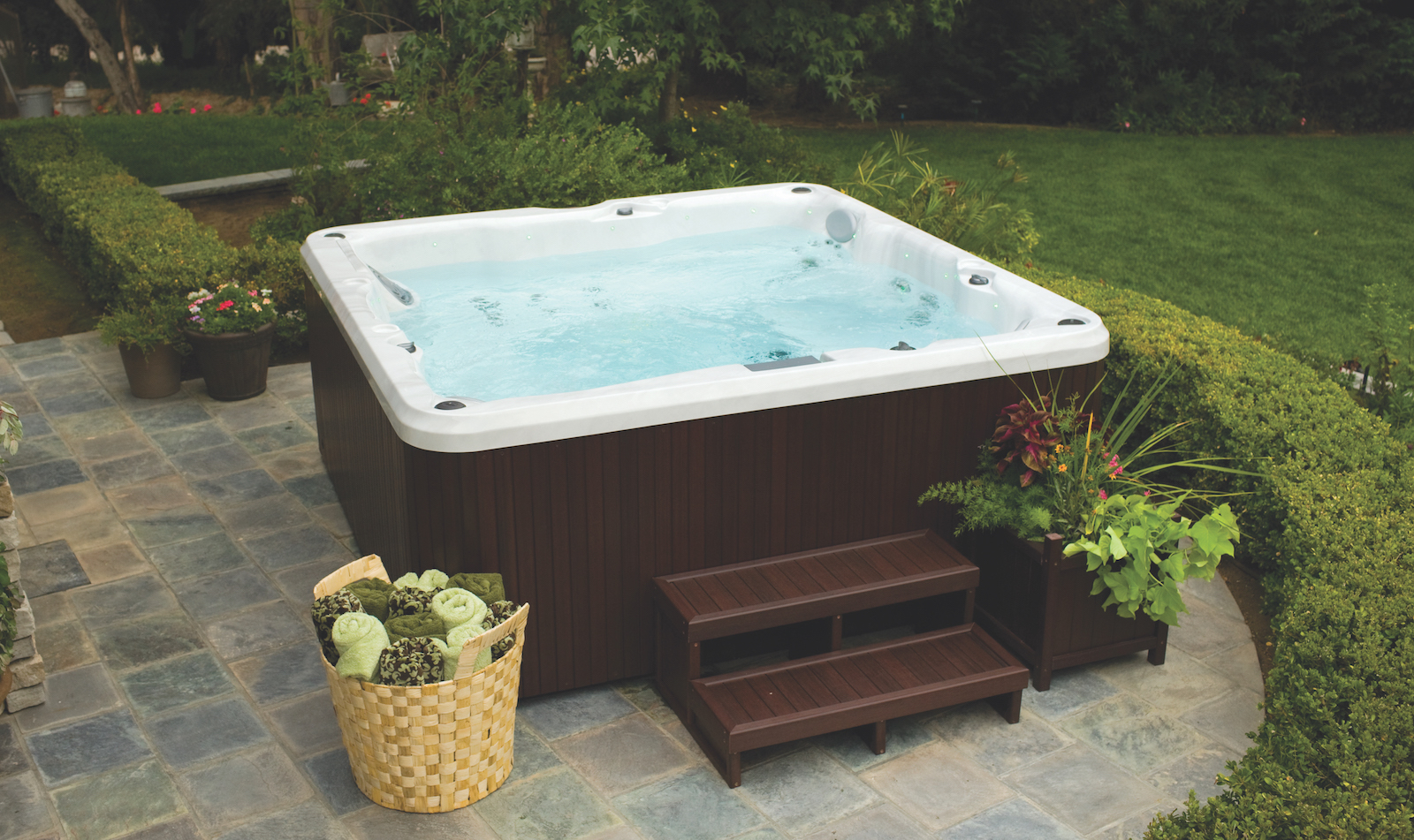 Jacuzzi Pool Service How To Drain And Clean Your Hot Tub Zagers Pool And Spa