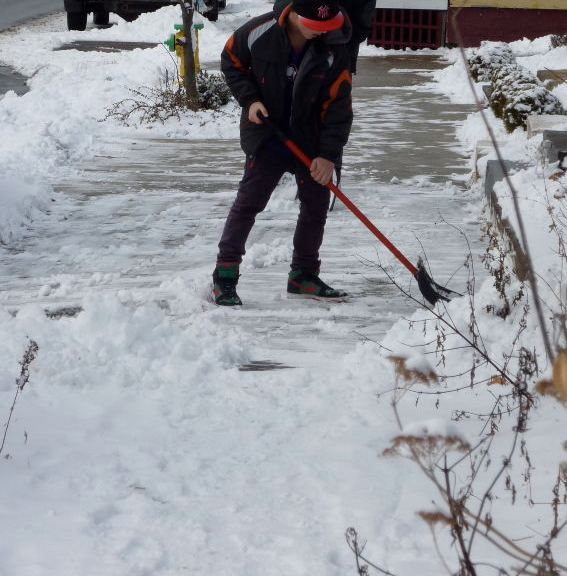 most effecient way to shovel and save your back