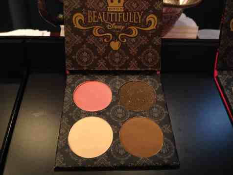 Enchanted Kiss eye shadow palette