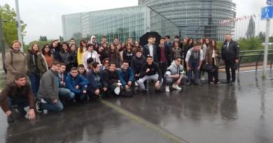 4ήμερη εκπαιδευτική εκδρομή μαθητών του Ζαννείου Πειραμ. Λυκείου Πειραιά. Ελβετία (CΕRN-Γενεύη), Γαλλία (Στρασβούργο), Γερμανία (Μπάντεν-Μπάντεν, Χαϊδελβέργη)
