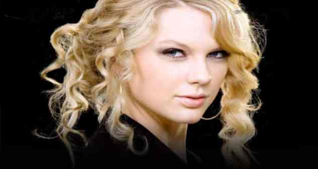 taylo Taylor Swift & VMAs Featured