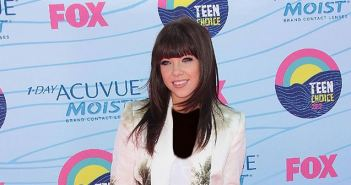 Carly-Rae-Jepsen-Grease-Live