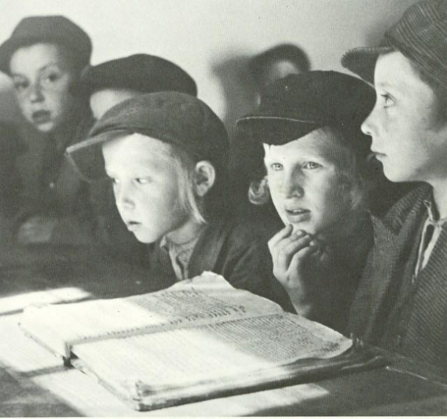 תרבות שלא היו בה מעולם אנאלפבתים. תלמידי חדר במזרח אירופה לפני השואה