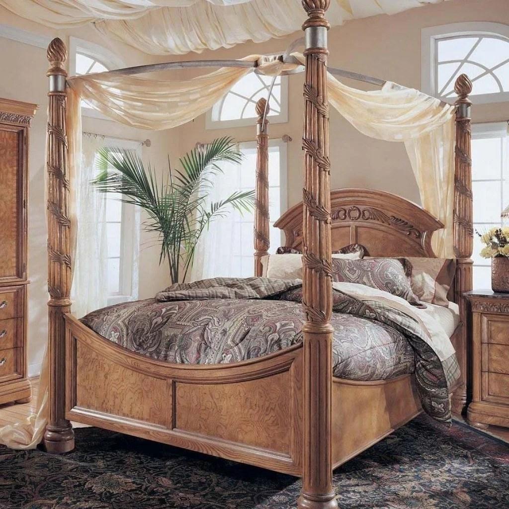 Schlafzimmer Ideen Mit Goldener Tapete