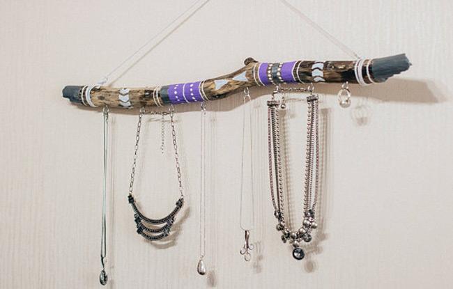 25 Beautiful Wooden Jewelry Holders Zen Merchandiser