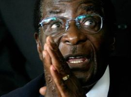 Zimbabwe's Mugabe Faces Impeachment as he Balks at Retiring