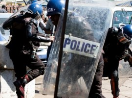 Security forces confirm police and soldiers clashed on the streets of Harare
