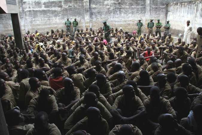 Emmerson Mnangagwa pardons 3,000 prisoners