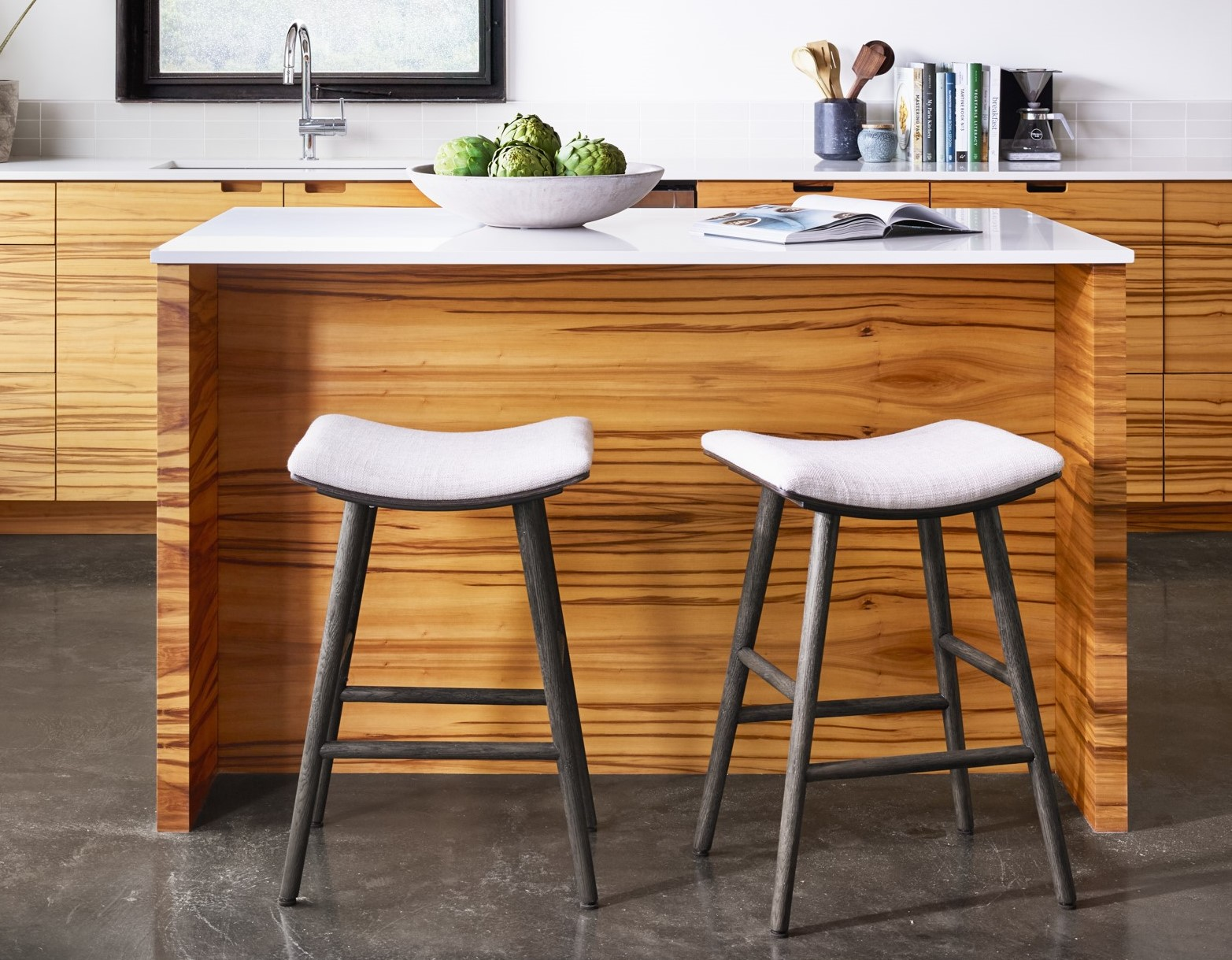 Wooden Kitchen Counter Stools A Guide To Buy Counter And Bar Stools Zin Home