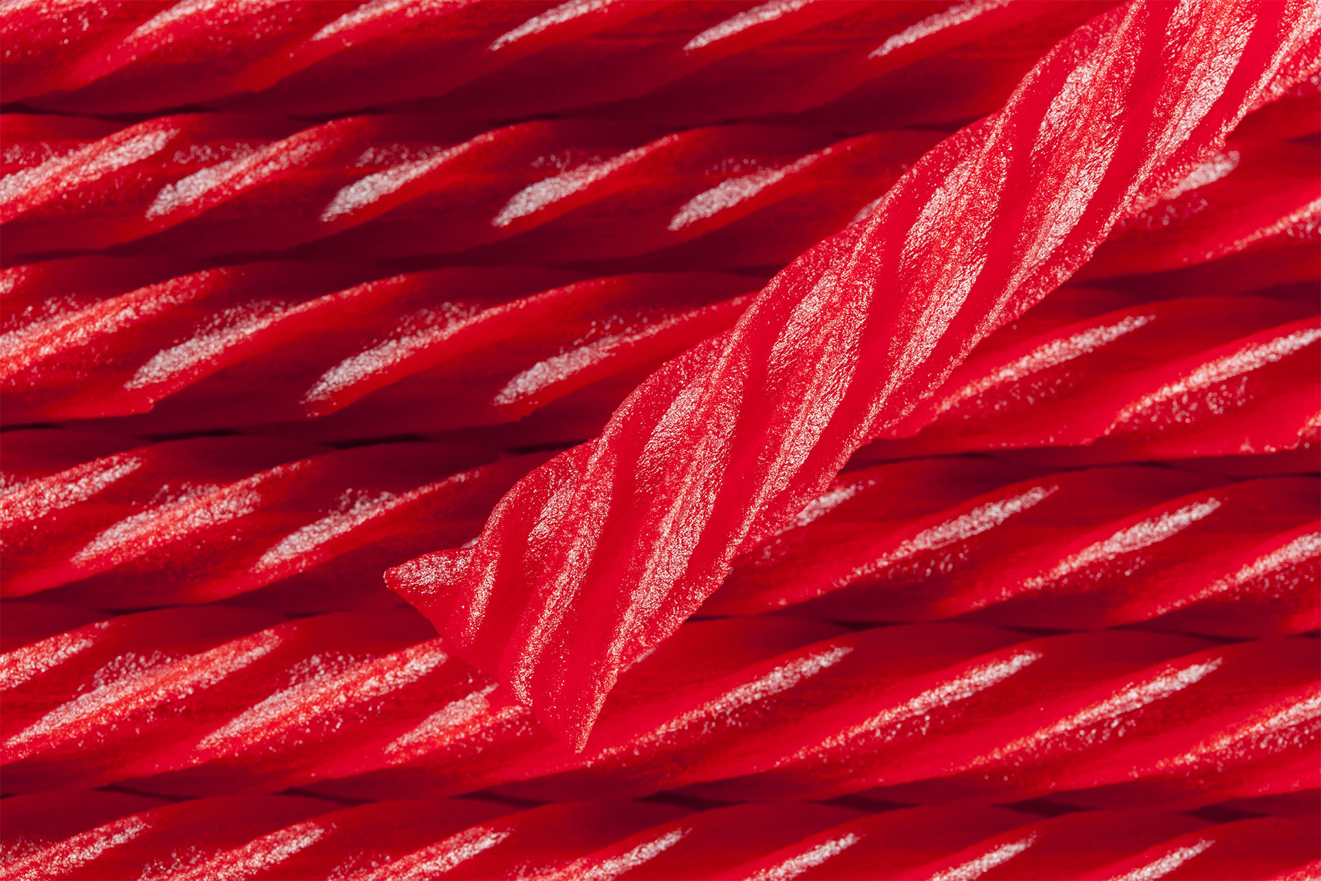 Fullsize Of Red Vines Vs Twizzlers