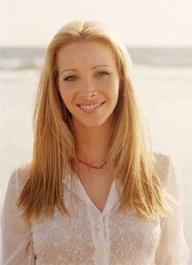 Lisa_Kudrow-long neck medium cut