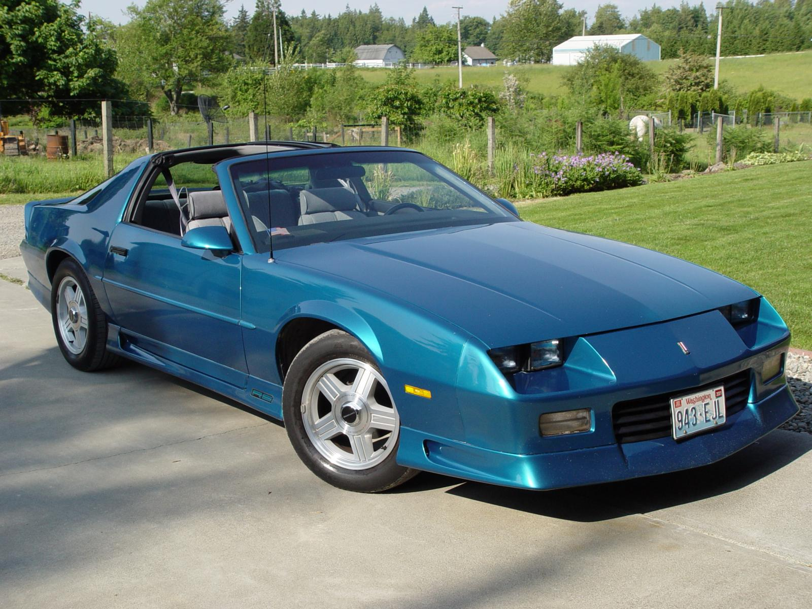 Ouderwetse Prullenbak 1992 Chevrolet Camaro Information And Photos Zombiedrive