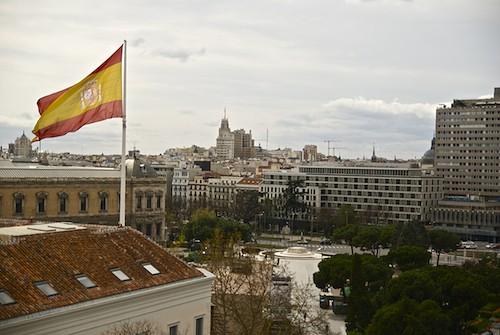 La bandera española gigante de la plaza de Colón cumple 10 años bandera