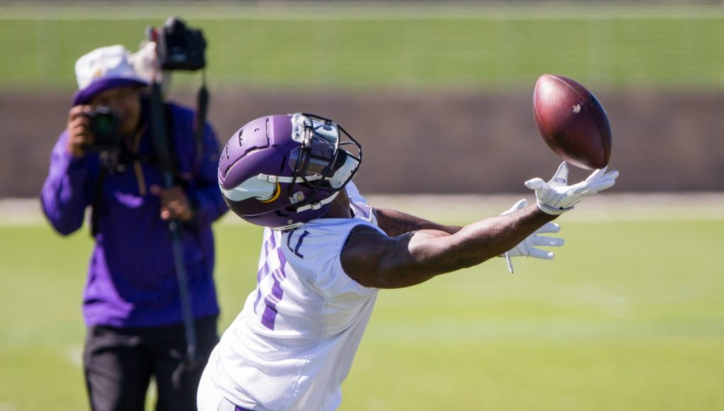 TRAINING CAMP VIDEO Interviews with Everson Griffen, Laquon