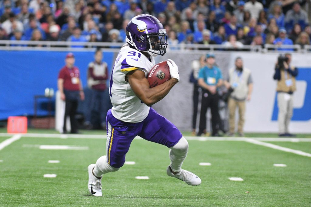 Vikings Lose Two Offensive Guards, Re-Sign RB Ameer Abdullah,