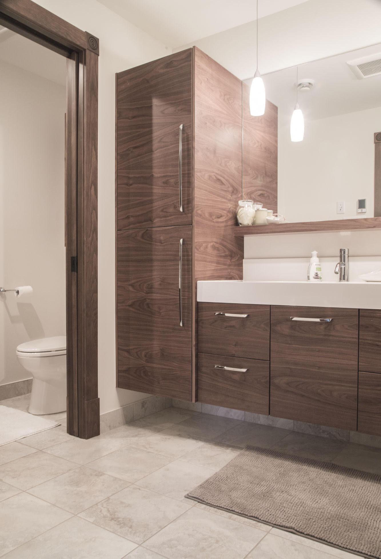 nous allions divers matriaux pour la conception des comptoirs des portes et armoires des tiroirs et des viers de salle de bain pour crer une ambiance - Dessus De Comptoir Salle De Bain