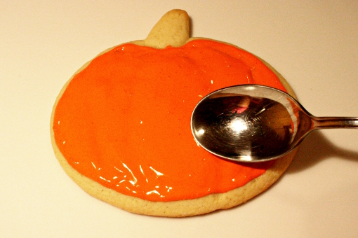 halloween-pumpkin-sugar-cookies-decorating-first-layer-spread